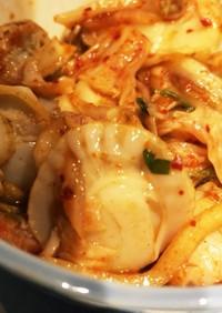 白菜キムチと蒸しホタテの和え物