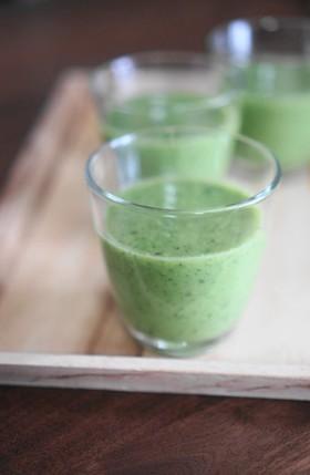 小松菜と甘酒のグリーンスムージー