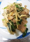 豚肉と小松菜、もやしとしめじの中華風炒め