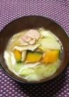 コールラビとベーコンのお味噌汁