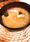 小松菜ともやしの味噌汁