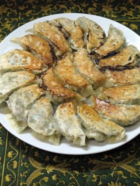 餃子★豚肉エビ白菜ニラ椎茸長ネギキムチ