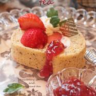 ロシアンティーな苺ジャムロールケーキ