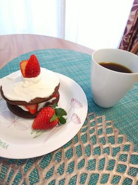 クリスマスに菓子パン☆イチゴケーキ