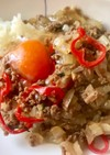 挽肉と卵のすき焼き丼。