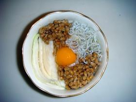 【簡単】新たまねぎで、納豆ぶっかけごはん
