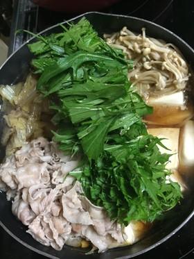 ささっと簡単温活*白菜と豚バラの生姜鍋