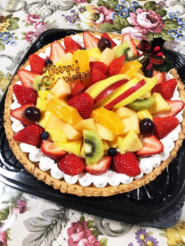 Xmasにフルーツケーキのデコレーション