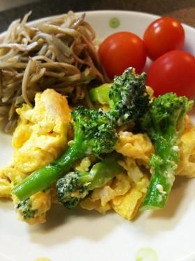ブロッコリーと卵の生姜マヨネーズ炒め