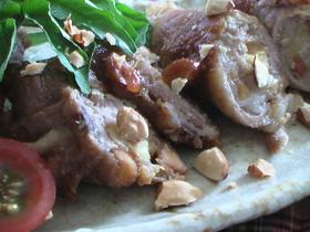 豚肉のアーモンド味噌くるくる巻き。