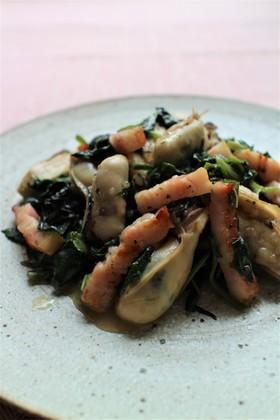牡蠣とほうれん草の大葉炒め