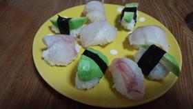 スズキとアボガドの握り寿司