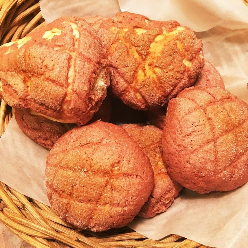 *リッチな苺メロンパン(手ごね)*