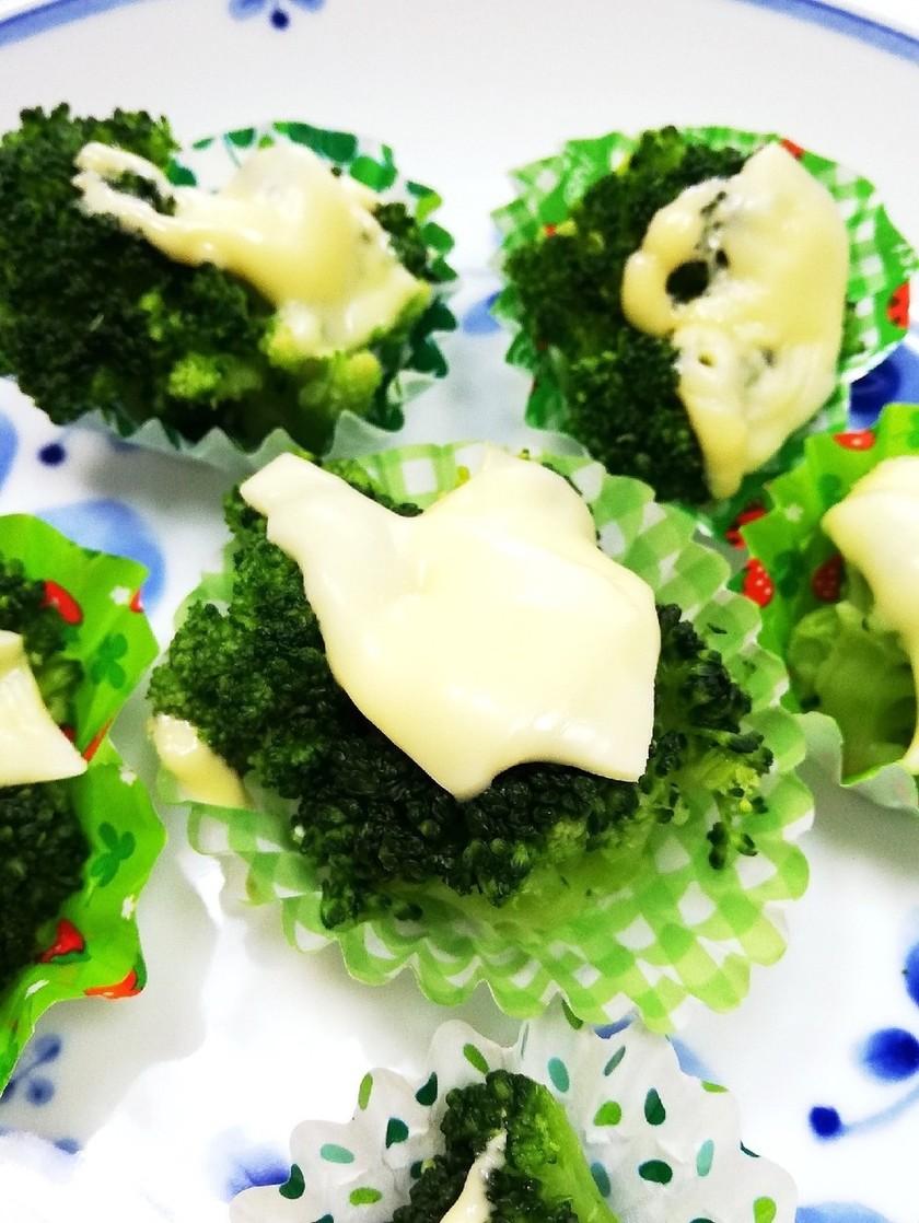レンジでブロッコリーのチーズ焼き