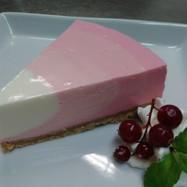 レアチーズケーキ(いちご味)