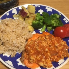 鮭のグリル 大豆トマトソース