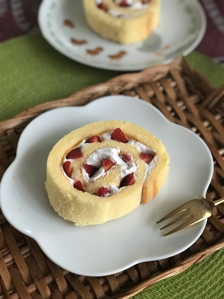 ROLL de なんちゃって苺ケーキ