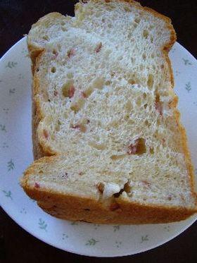クリームチーズとサラミの食パン(HB)