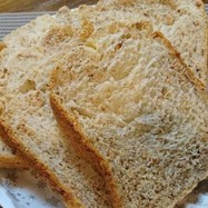 HBで栄養たっぷりアーモンドパン