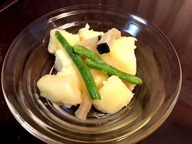 塩クジラとジャガイモの煮物