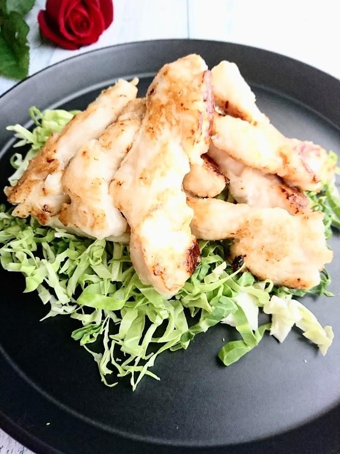 塩麹にんにく鶏むね肉の炒め物
