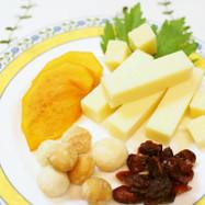 コンテチーズ と ナッツ・フルーツ