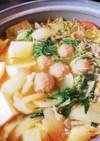 市販の麻婆豆腐の素で!やや辛みそ鍋