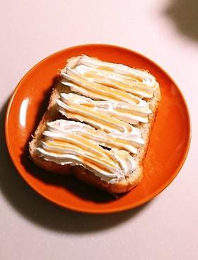 簡単☆ホイップ&メープルシロップ食パン♪