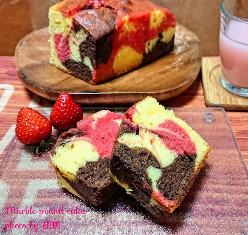 チョコと苺の3色マーブルパウンドケーキ