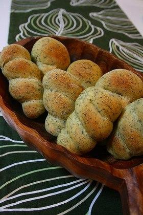 小松菜入りパン~魚肉ソーセージ入り~