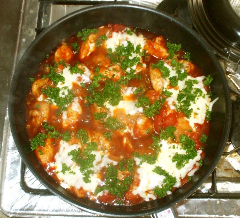 鶏むね肉とトマトチーズ煮♪簡単やわらかい