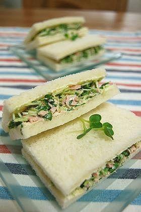 貝割れたっぷりサンドイッチ