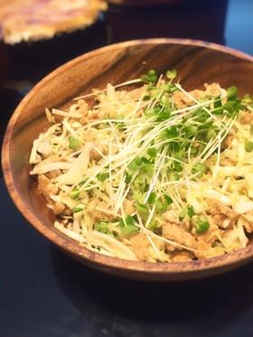 鶏ひき肉とキャベツの簡単サラダ