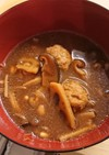 ふわふわ肉団子ときのこ汁(味噌味)