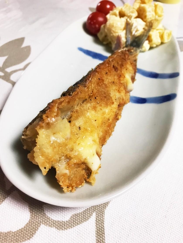 揚げずに楽チン!あふれるチーズの鰯フライ