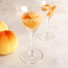 材料3つ☆桃と甘酒のジェラート