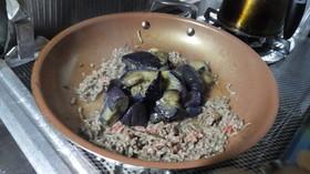 ひき肉と揚げ茄子のポン酢炒め