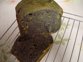 真っ黒ごまのあま~いさつまいもの食パン