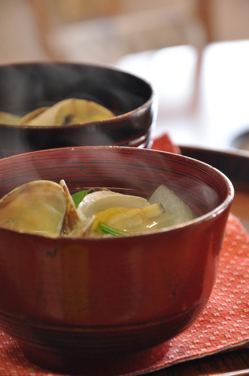 あさりと新玉ねぎの味噌汁