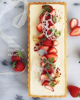 苺のホワイトチョコタルト