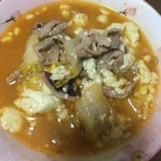 鍋の残り物とキムチの素でスンドゥブチゲ