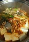 人気のさば缶でキムチ鍋