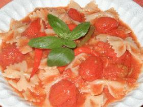 赤色がきれい、ファルファッレのトマトソース