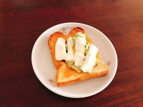 高カロリーだから美味しいやみつきトースト