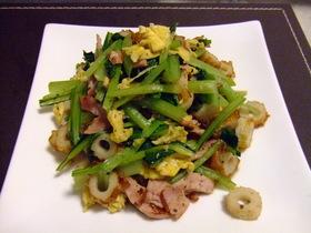 給料日前に✌小松菜とベーコンの炒め物