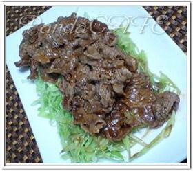 簡単✿ご飯がすすむ♪豚肉のケチャップ焼き