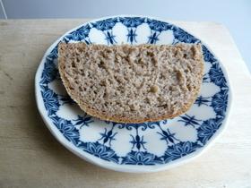 膨らまないライ麦パン