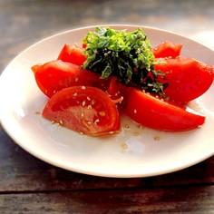簡単トマトと大葉のゴマ風味サラダ