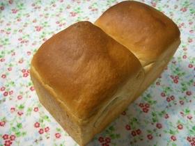 もちもち玄米黒糖パン