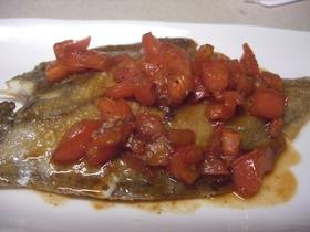 カリッとムニエルのトマト醤油ソース